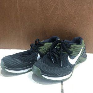 Nike Metcon DSX Flyknit in size 8